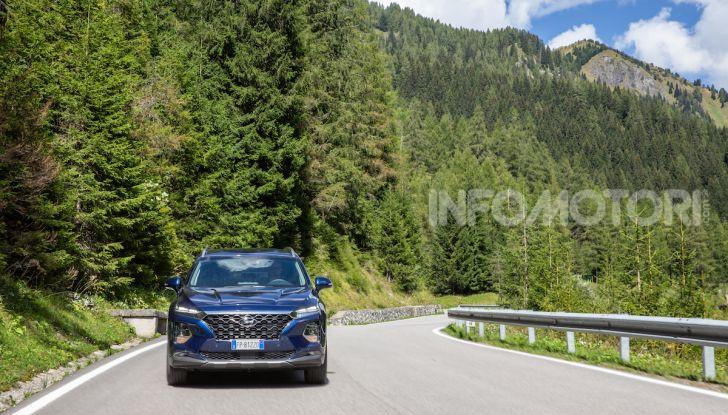 Prova nuova Hyundai Santa Fe 2018: il SUV con 4×4, 7 posti e 200CV - Foto 8 di 24