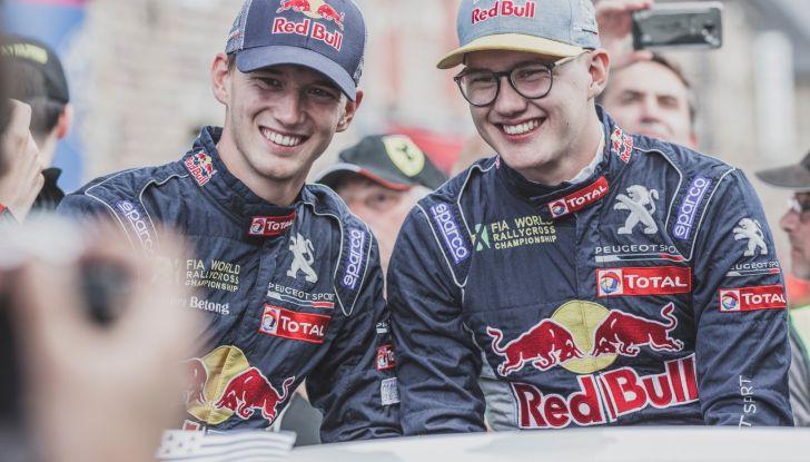 Voce al Team Peugeot Total dopo la gara di Loheac (WRX) - Foto 2 di 2