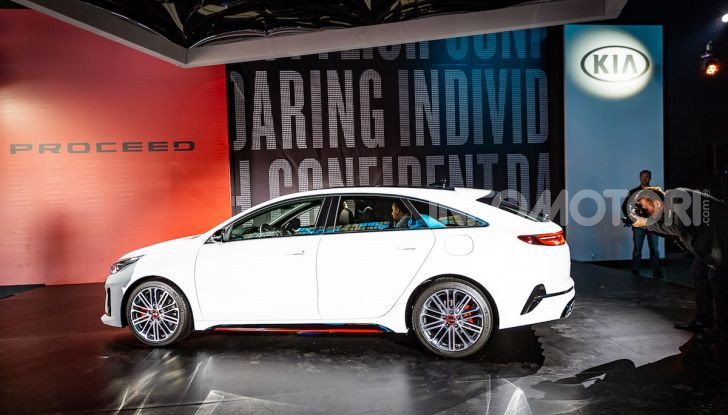KIA ProCeed 2018, la nuova Shooting Brake Made in Europe - Foto 16 di 17