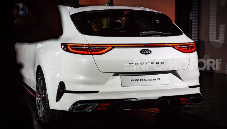 KIA ProCeed 2018, la nuova Shooting Brake Made in Europe - Foto 7 di 17