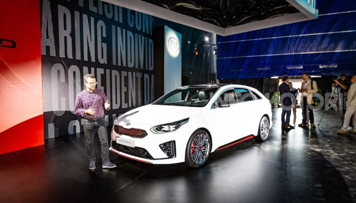 KIA ProCeed 2018, la nuova Shooting Brake Made in Europe - Foto 1 di 17