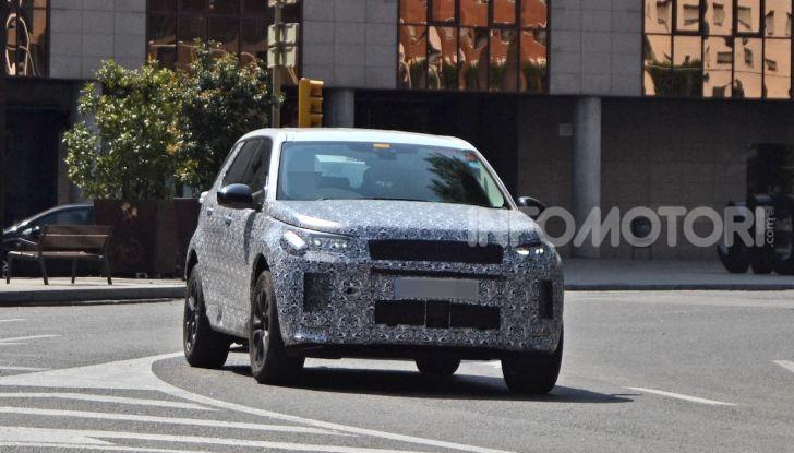 Land Rover Discovery Sport 2020: facelift ibrido ad alta tecnologia - Foto 2 di 10