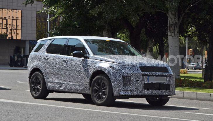 Land Rover Discovery Sport 2020: facelift ibrido ad alta tecnologia - Foto 4 di 10