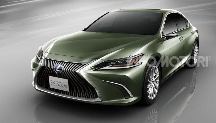 Lexus presenta specchi retrovisori digitali con camera HD - Foto 3 di 9