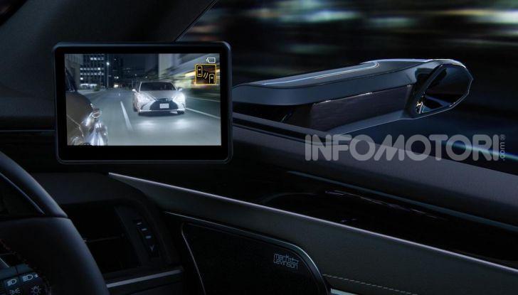 Lexus presenta specchi retrovisori digitali con camera HD - Foto 5 di 9