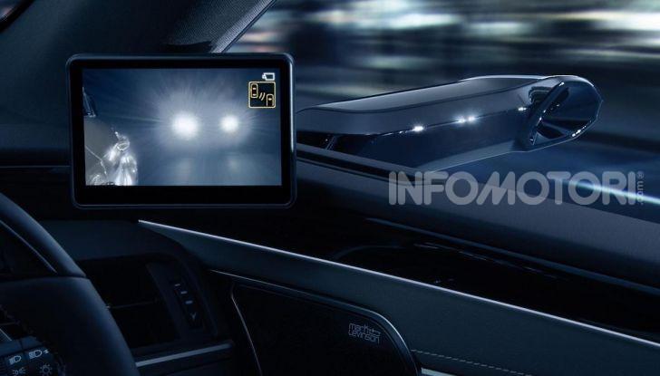 Lexus presenta specchi retrovisori digitali con camera HD - Foto 6 di 9