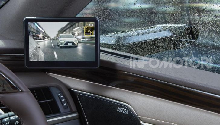 Lexus presenta specchi retrovisori digitali con camera HD - Foto 8 di 9