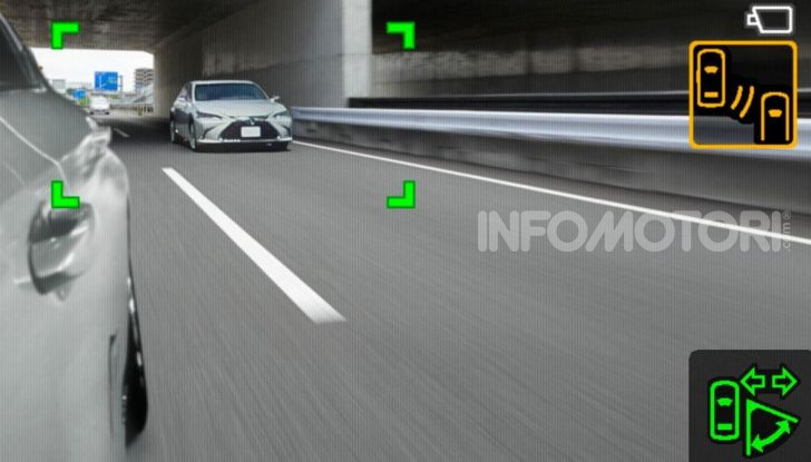 Lexus presenta specchi retrovisori digitali con camera HD - Foto 9 di 9