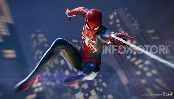 Spider-Man per PS4 a Milano: l'eroe Marvel salva un bus in Darsena - Foto 5 di 11