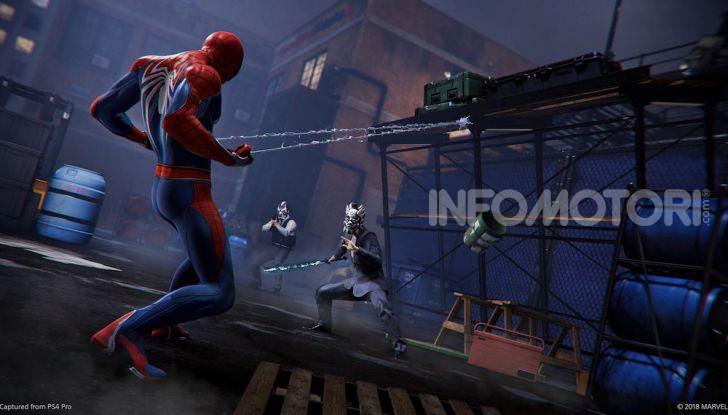 Spider-Man per PS4 a Milano: l'eroe Marvel salva un bus in Darsena - Foto 6 di 11