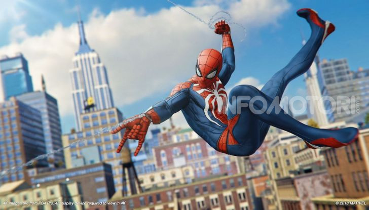 Spider-Man per PS4 a Milano: l'eroe Marvel salva un bus in Darsena - Foto 4 di 11