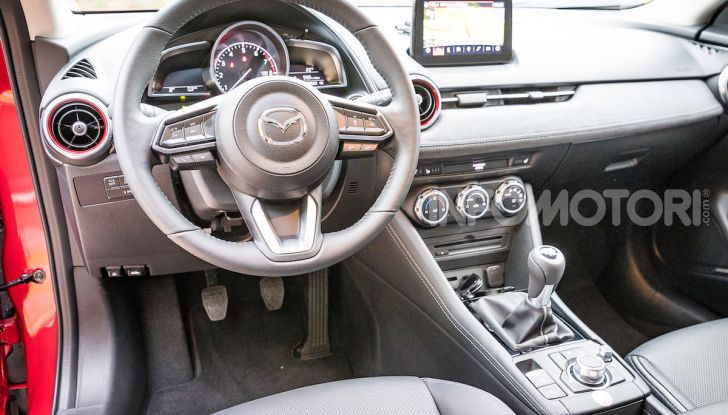 Prova nuova Mazda CX-3 2018: Stile, Diesel e guida sportiva! - Foto 13 di 37
