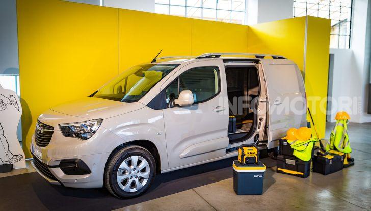 Opel Combo Life: tecnologia, sicurezza e spazio in abbondanza - Foto 3 di 37