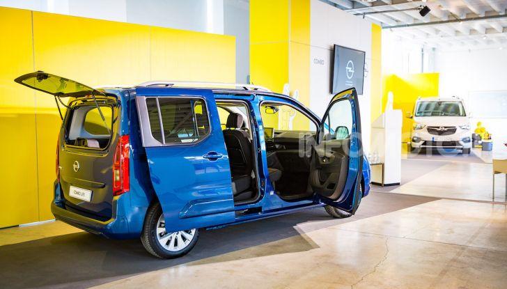Opel Combo Life: tecnologia, sicurezza e spazio in abbondanza - Foto 12 di 37