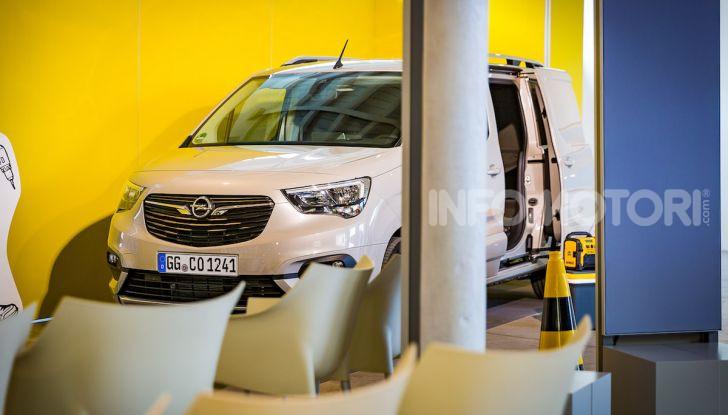 Opel Combo Life: tecnologia, sicurezza e spazio in abbondanza - Foto 14 di 37