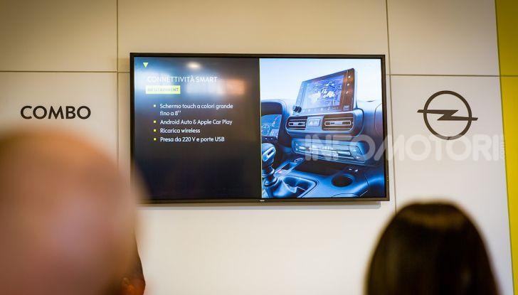 Opel Combo Life: tecnologia, sicurezza e spazio in abbondanza - Foto 16 di 37