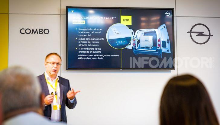 Opel Combo Life: tecnologia, sicurezza e spazio in abbondanza - Foto 21 di 37