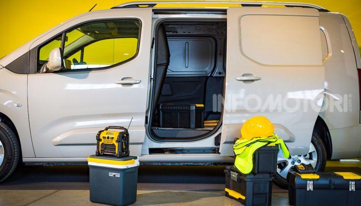 Opel Combo Life: tecnologia, sicurezza e spazio in abbondanza - Foto 4 di 37