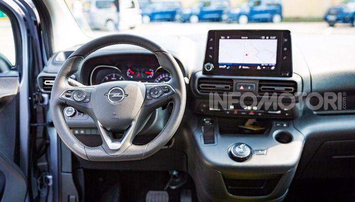 Opel Combo Life: tecnologia, sicurezza e spazio in abbondanza - Foto 27 di 37