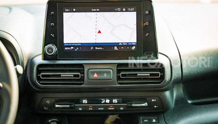 Opel Combo Life: tecnologia, sicurezza e spazio in abbondanza - Foto 28 di 37