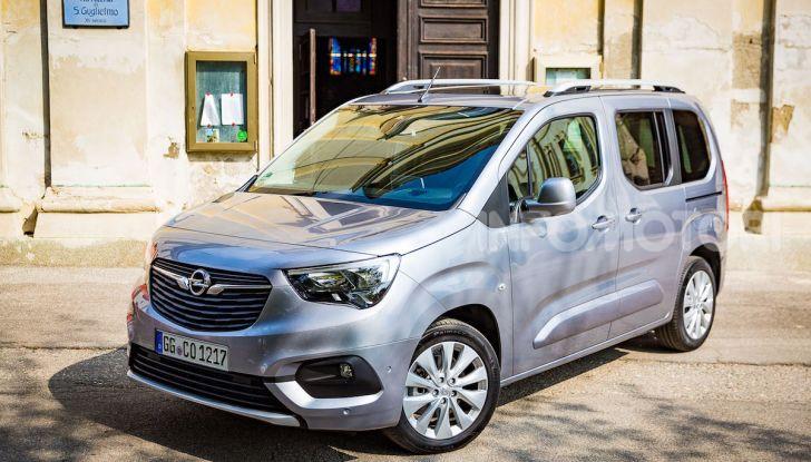 Opel Combo Life: tecnologia, sicurezza e spazio in abbondanza - Foto 1 di 37