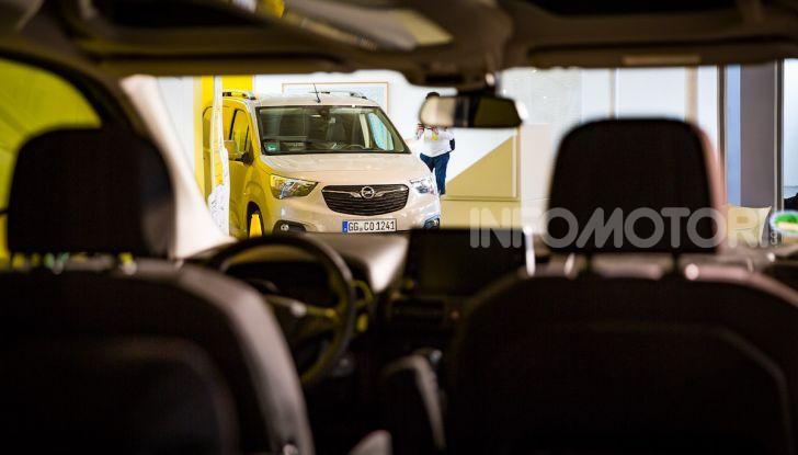 Opel Combo Life: tecnologia, sicurezza e spazio in abbondanza - Foto 9 di 37