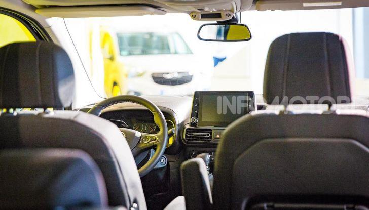 Opel Combo Life: tecnologia, sicurezza e spazio in abbondanza - Foto 10 di 37