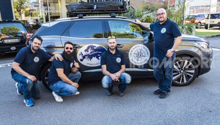Peugeot 3008 protagonista del Silk Way Rally 2018 - Foto 3 di 8