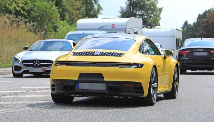 Porsche 911 992,la nuova generazione svelata in forma definitiva - Foto 11 di 30