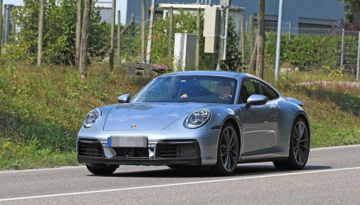 Porsche 911 992,la nuova generazione svelata in forma definitiva - Foto 17 di 30