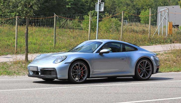 Porsche 911 992,la nuova generazione svelata in forma definitiva - Foto 18 di 30