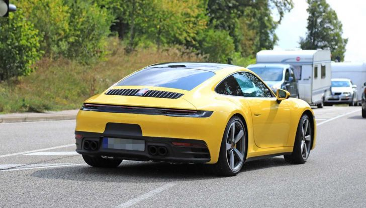Porsche 911 992,la nuova generazione svelata in forma definitiva - Foto 10 di 30
