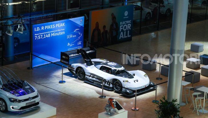 Volkswagen: l'era dell'elettrico è iniziata ed è per tutte le tasche - Foto 2 di 20