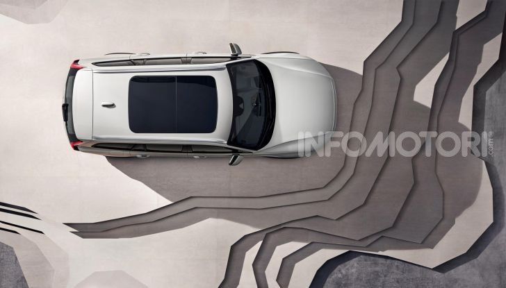 Volvo V60 Cross Country, familiare a ruote alte anche ibrida plug-in - Foto 12 di 12