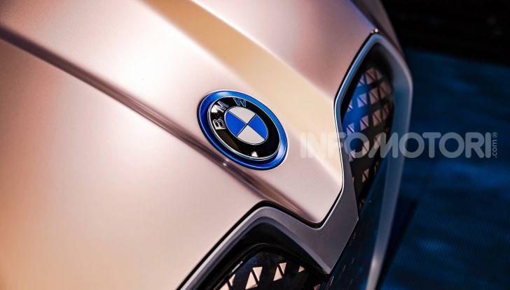 BMW i4 nel 2021 cerca di sfidare Tesla Model 3 e Model Y - Foto 11 di 14