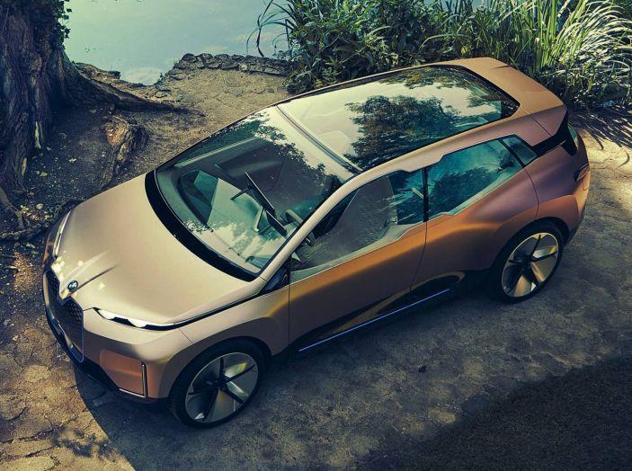 BMW i4 nel 2021 cerca di sfidare Tesla Model 3 e Model Y