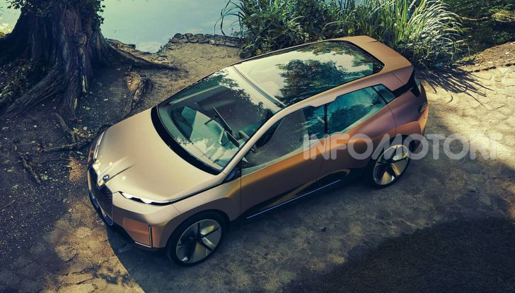 BMW i4 nel 2021 cerca di sfidare Tesla Model 3 e Model Y - Foto 4 di 14