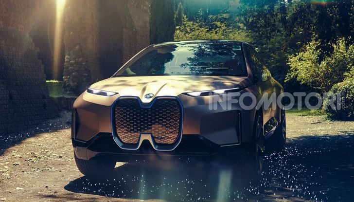 BMW i4 nel 2021 cerca di sfidare Tesla Model 3 e Model Y - Foto 7 di 14