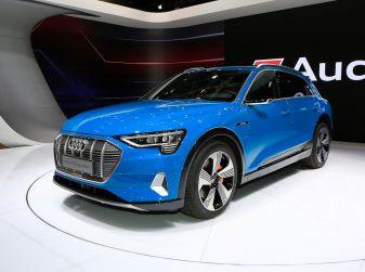 Audi: il SUV elettrico e-Tron debutta in California per sfidare Tesla