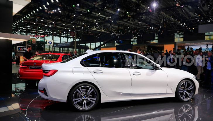 Nuova BMW Serie 3, la berlina dell'elica pronta al debutto - Foto 4 di 35