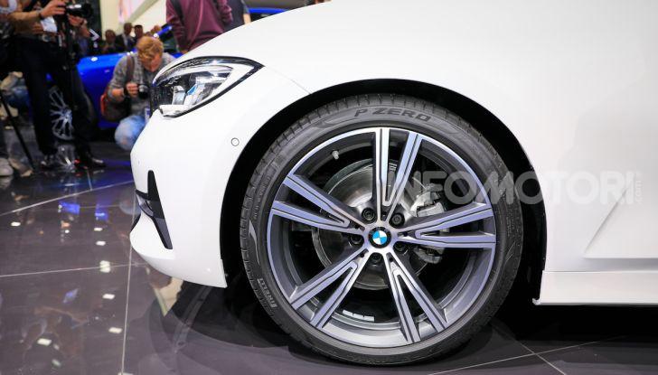 Nuova BMW Serie 3, la berlina dell'elica pronta al debutto - Foto 16 di 35