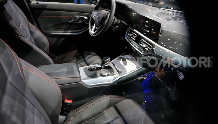 Nuova BMW Serie 3, la berlina dell'elica pronta al debutto - Foto 17 di 35