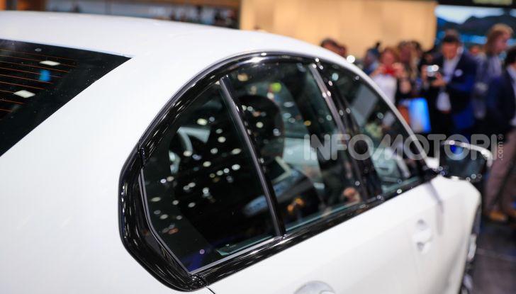 Nuova BMW Serie 3, la berlina dell'elica pronta al debutto - Foto 18 di 35