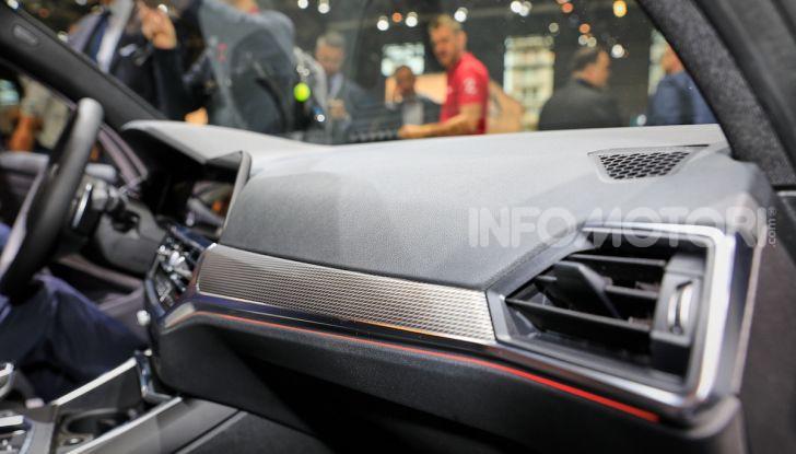 Nuova BMW Serie 3, la berlina dell'elica pronta al debutto - Foto 24 di 35