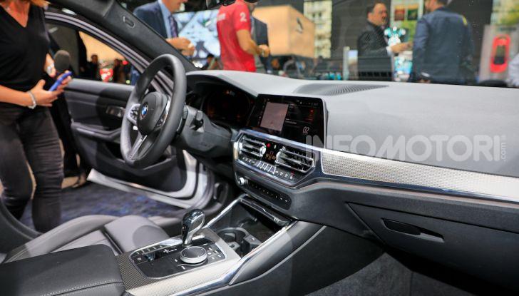 Nuova BMW Serie 3, la berlina dell'elica pronta al debutto - Foto 27 di 35