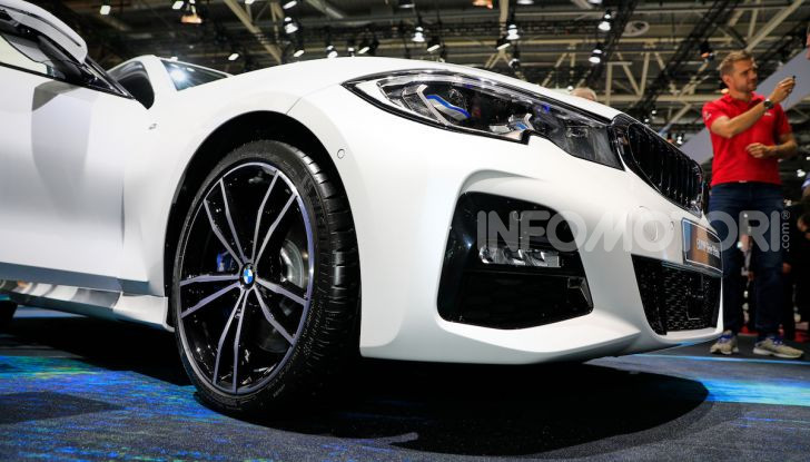 Nuova BMW Serie 3, la berlina dell'elica pronta al debutto - Foto 33 di 35
