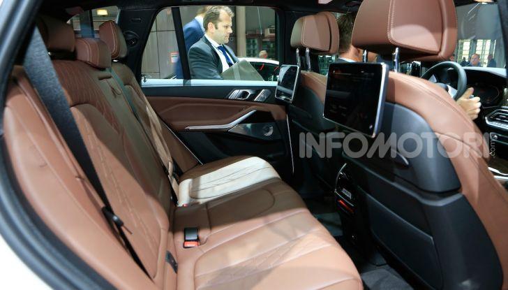 BMW X5, la quarta generazione debutta su strada - Foto 13 di 23