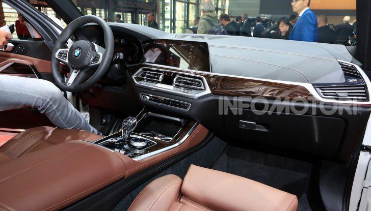 BMW X5, la quarta generazione debutta su strada - Foto 15 di 23
