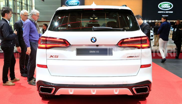 BMW X5, la quarta generazione debutta su strada - Foto 2 di 23