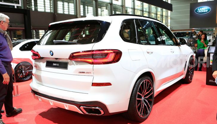 BMW X5, la quarta generazione debutta su strada - Foto 5 di 23